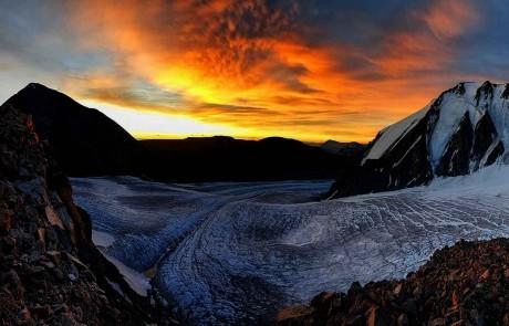 GER to GER GEOtourism Mongolia - Bayan Olgii - Tavan Bogd Mountain - Potanin Glacier - Malchin Peak
